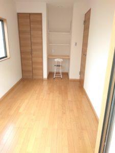中野区賃貸アパートシェアハウス女性専用202室内フローリング