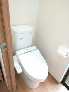 中野区賃貸アパートシェアハウス女性専用1階共用部分ウォシュレットトイレ