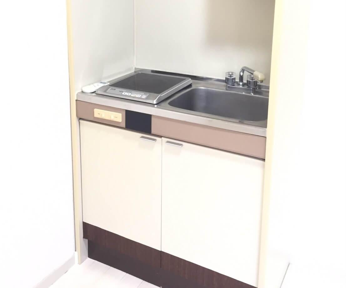 料理スペースのないキッチン