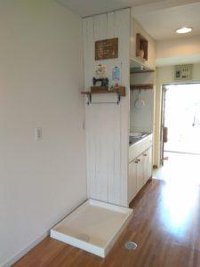 賃貸マンションネオパーク東高円寺室内洗濯機置き場とキッチン
