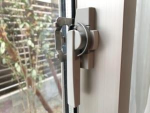 窓の鍵 ブログ