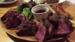 高円寺の人気グルメパテやの肉盛り