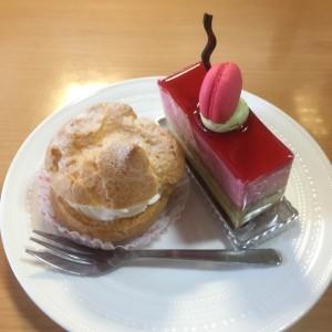 高円寺スィーツトリアノンケーキとシュークリーム