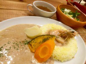 高円寺の人気グルメMucchi's cafeカレー