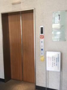 高円寺駅図書館 1階エレベーター入口