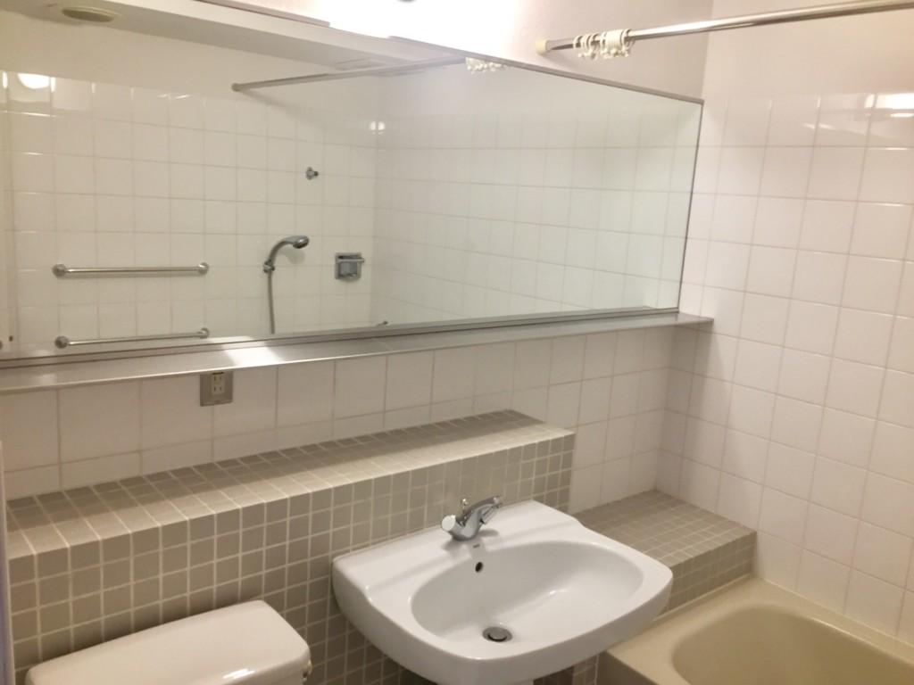 高円寺賃貸マンションMTコートユニットバスの鏡